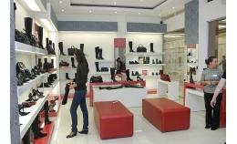 Как правильно подобрать мебель для обувного магазина?